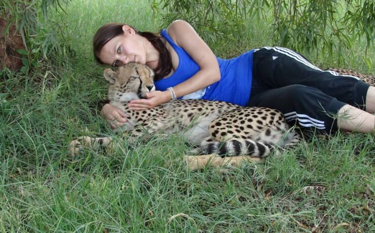 Śpiąc z gepardami pod gołym niebem
